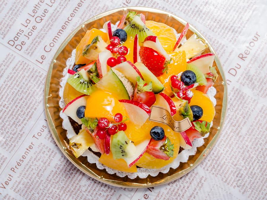 旬のフレッシュな果物を惜しみなく使用